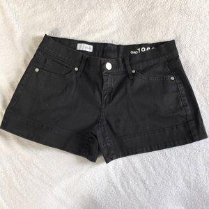 GAP shorts.